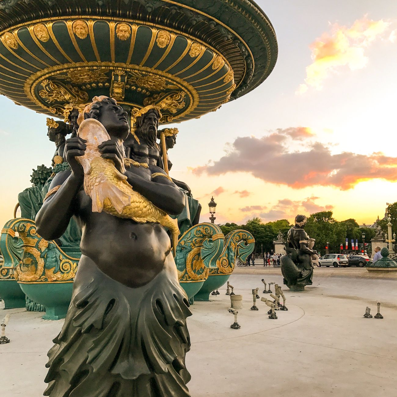 Bon dimanche! Good Morning Paris! Statue Sculpture Fountain Travel Destinations Paris ❤ Eyem Best Shot - Architecture Photooftheday Paris Parisweloveyou EyeEm Best Shots Sunset