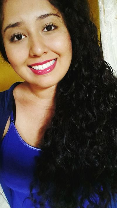 Sonrisa Cabello Colores Azul Maquillaje Labios Rosa