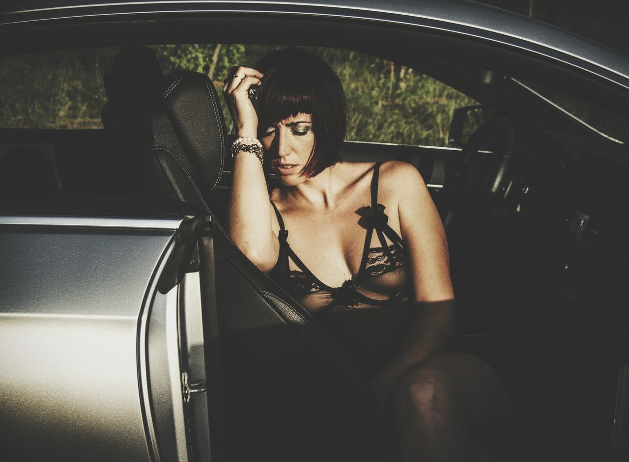 Car Car Interior One Young Woman Only People Portrait Sensual_woman The Portraitist - 2017 EyeEm Awards Elégance
