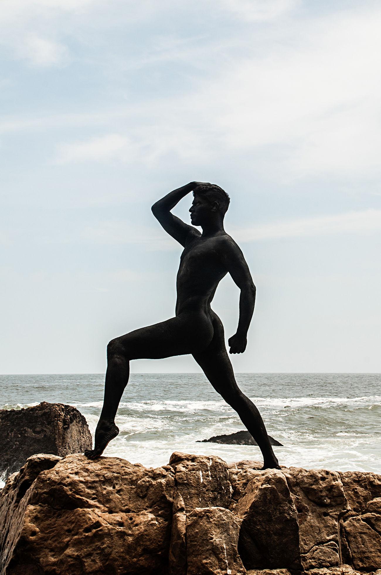 Sculptural portrait of a dancer Beach Beauty In Nature Bodypaint Dancer Horizon Over Water Men Nature One Person Outdoors People Rock - Object Sculpture Sea The Portraitist - 2017 EyeEm Awards
