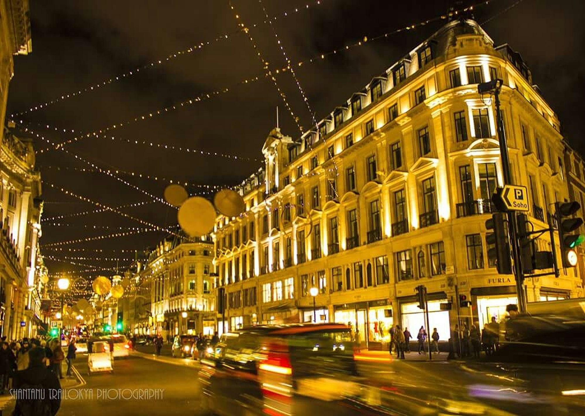 Oxfordstreet Nightphotography PreChristmas Festive Season Shopping Spree