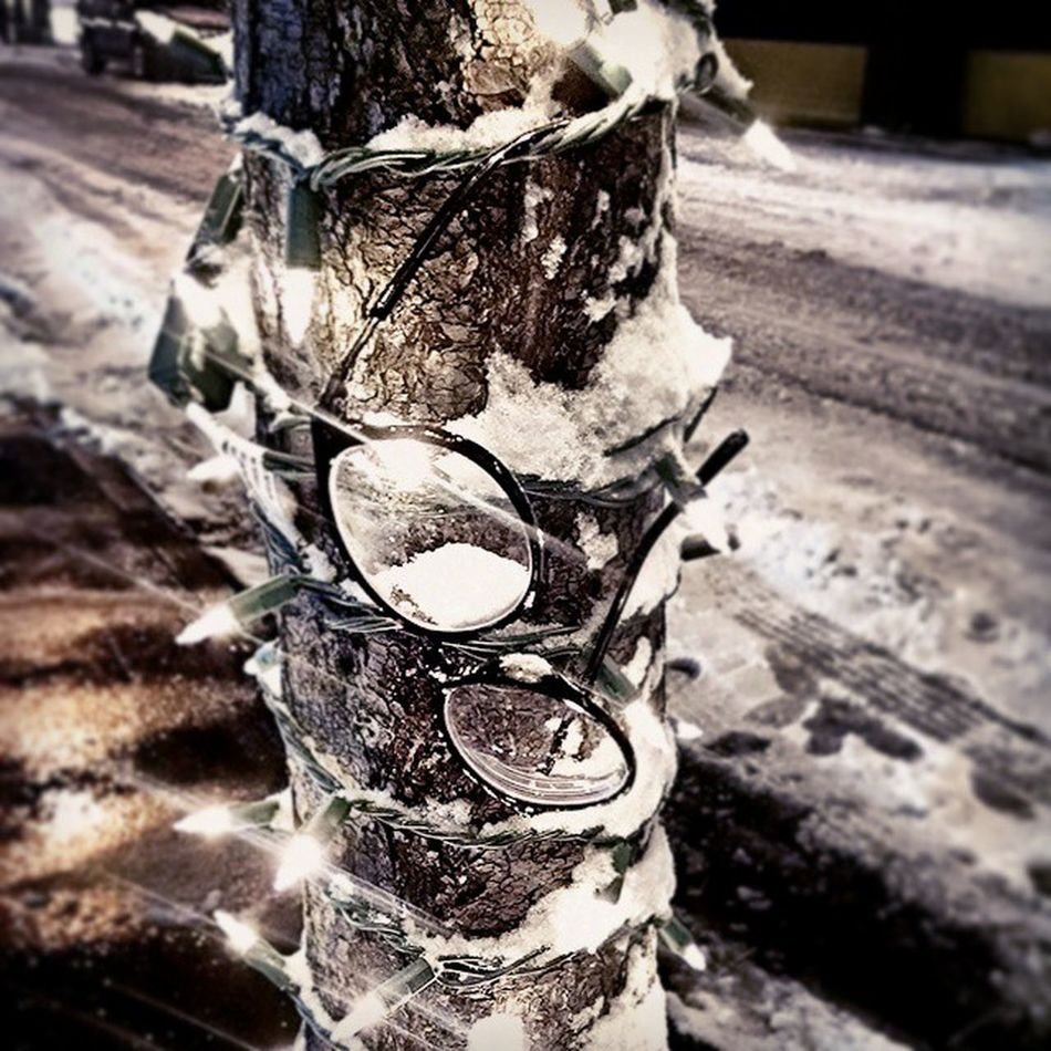 Oh, THAT'S where I put my glasses! ❄👓❄ Forgottennewyork Deserted Emptystreets Lostandfound twinklelights commutehome snow eveningencounterings blizzard juno