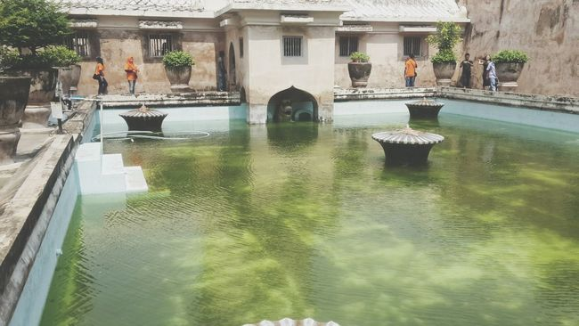 The bathing complex for Sultant hundred years ago. At Taman Sari water complex Yogyakarta, Central Java - Indonesia Amazing Indonesia Water Castle Taman Sari - Yogyakarta
