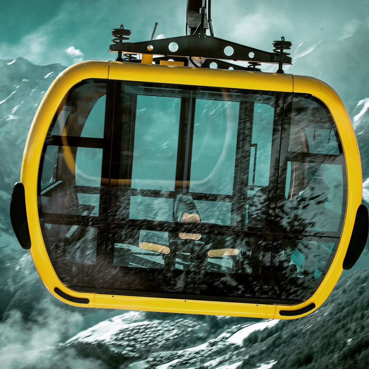 Gondola on the way down Nikonphotography Mayerhofen Mountain Mountain View Winter Photography EyeEm Eye4photography  Gondola Photographer Josienvangeffen