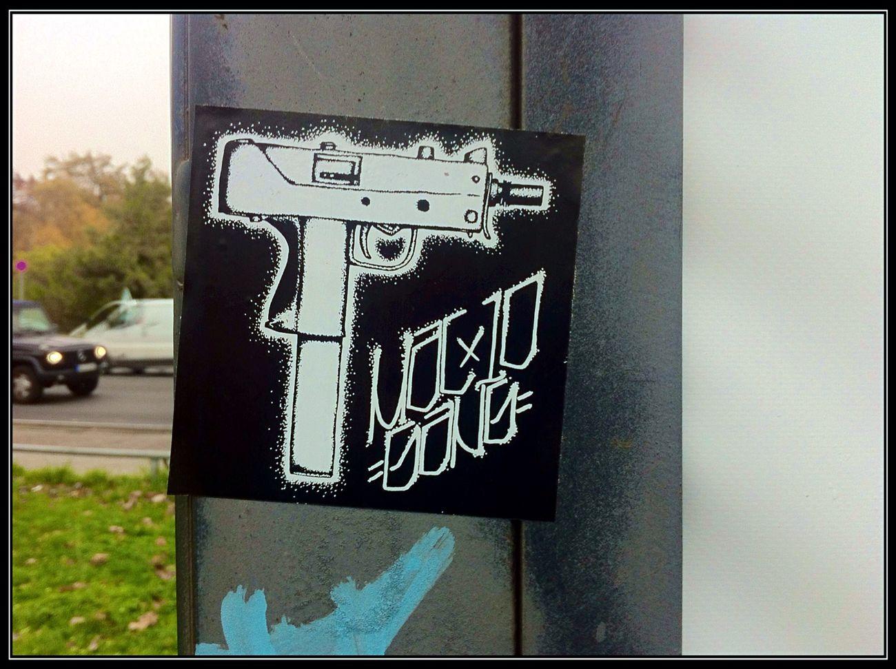 """ Mac10 Gang "" | Stickerart | Streetart | Street Art @ Arena-Berlin | Club Der Visionäre, Schlesische Straße"