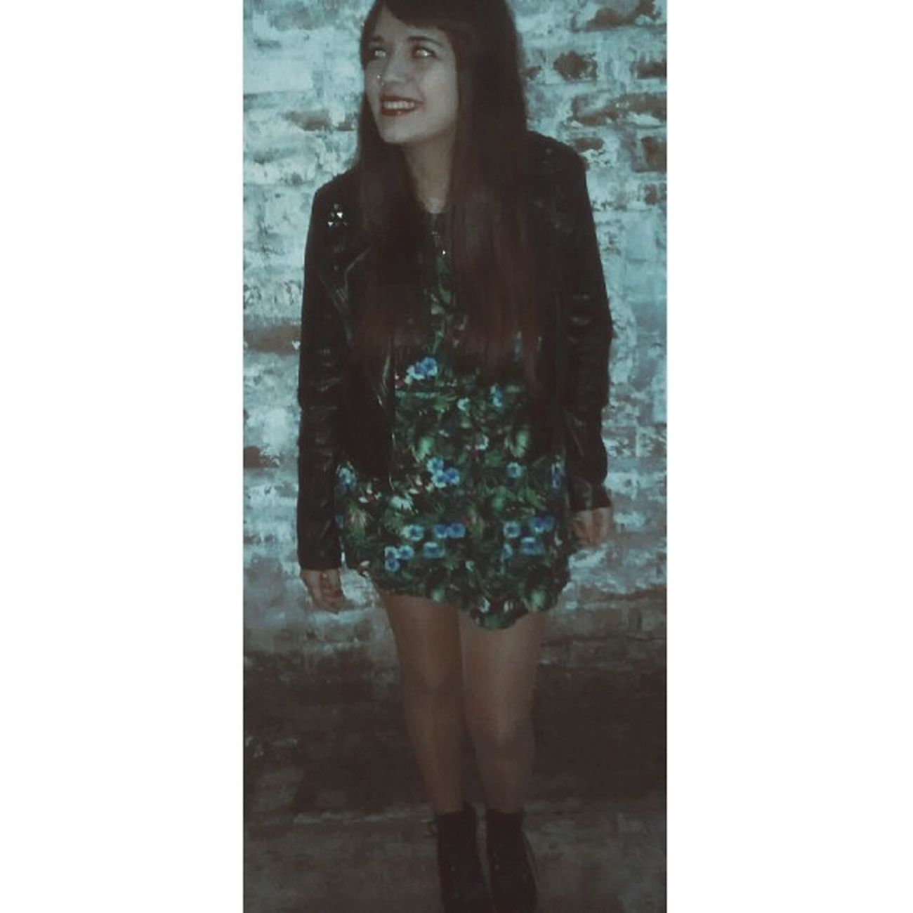 Pon un precio a tus anhelos y buscame hacia el final de la noche... Me Girl Instapic Instaphoto Night Dress Gordahashtag Poneleflash