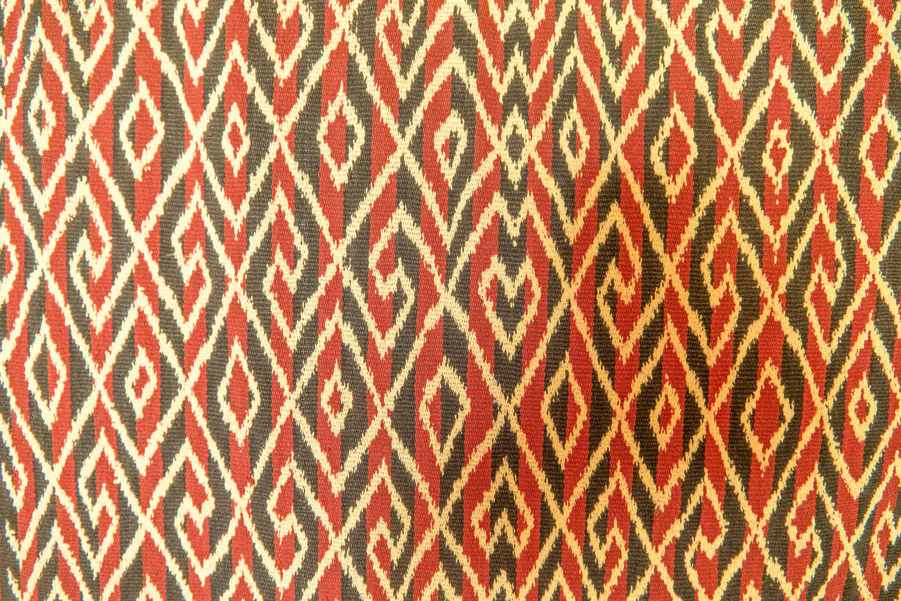 Toraja traditional weaving clothes. Weave clothes become an important heritage from Indonesia. Clothes Heritage Patern Toraja Toraja Indonesia Toraja Utara Torajaland Tourism Weaving