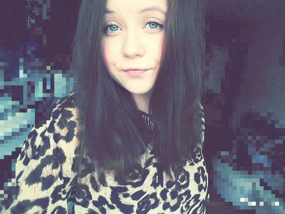 Young Women Long Hair Person Looking At Camera Girl Smile Poland 💗 ♡♡♡ Polishgirl Kiss Love ♥ Likes Followmee