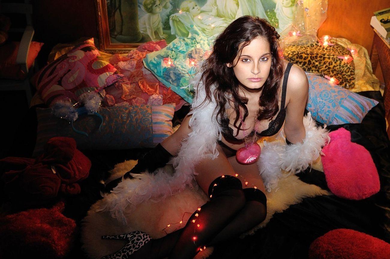 Belle de Jour - A Face of Beauty Models Beautiful Girls  Sensual_woman Looking At Camera
