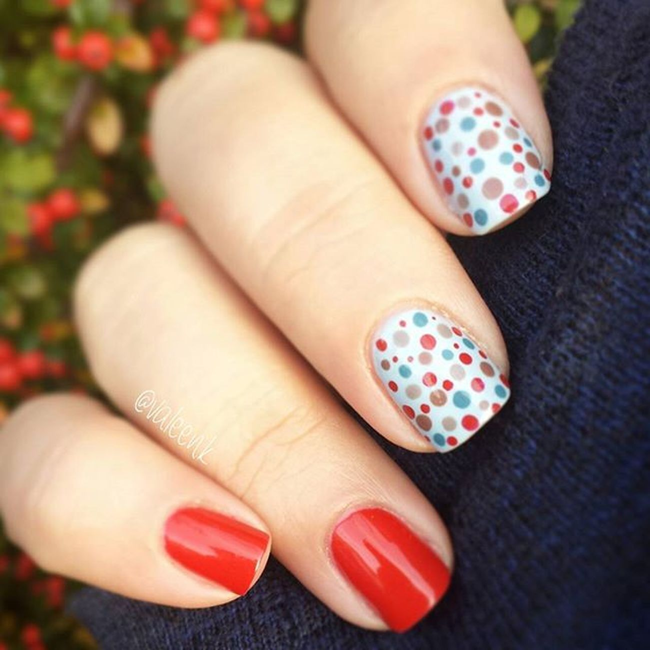 🔴🔵⚪ I💅essie Essie Essieaddict Essieaddicted Essiedeutschland Nails2inspire Lovenails Essiepolish ReallyRed Meettheparents Nailsfromgermany @nailsfromgermany Chinchilly Nailsofinstagram Nails Nailartaddict Manicure Nailpolish Nailart  Nailporn Dots Nageldesign Naildesign Naildesigns маникюр  Nailjunkie nailpolishaddict polishaholic nailpolishjunkie pruesgang essienista 💅