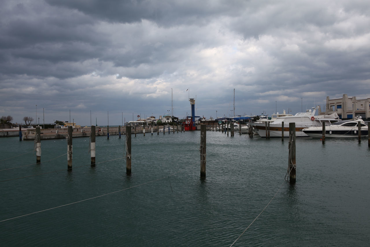 Cattolica / pole in the sea Boat Deck Boat Ride Cloud Day Cloudy Day Cloudy Sky Dock Grey Grey Sky Pole Poles Poles In To The Water Poles In Water