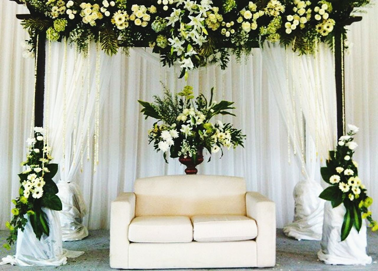 curtain, vase, flower, indoors, plant, drapes, flower arrangement, home interior, white color, bouquet, no people, table, day, living room, nature