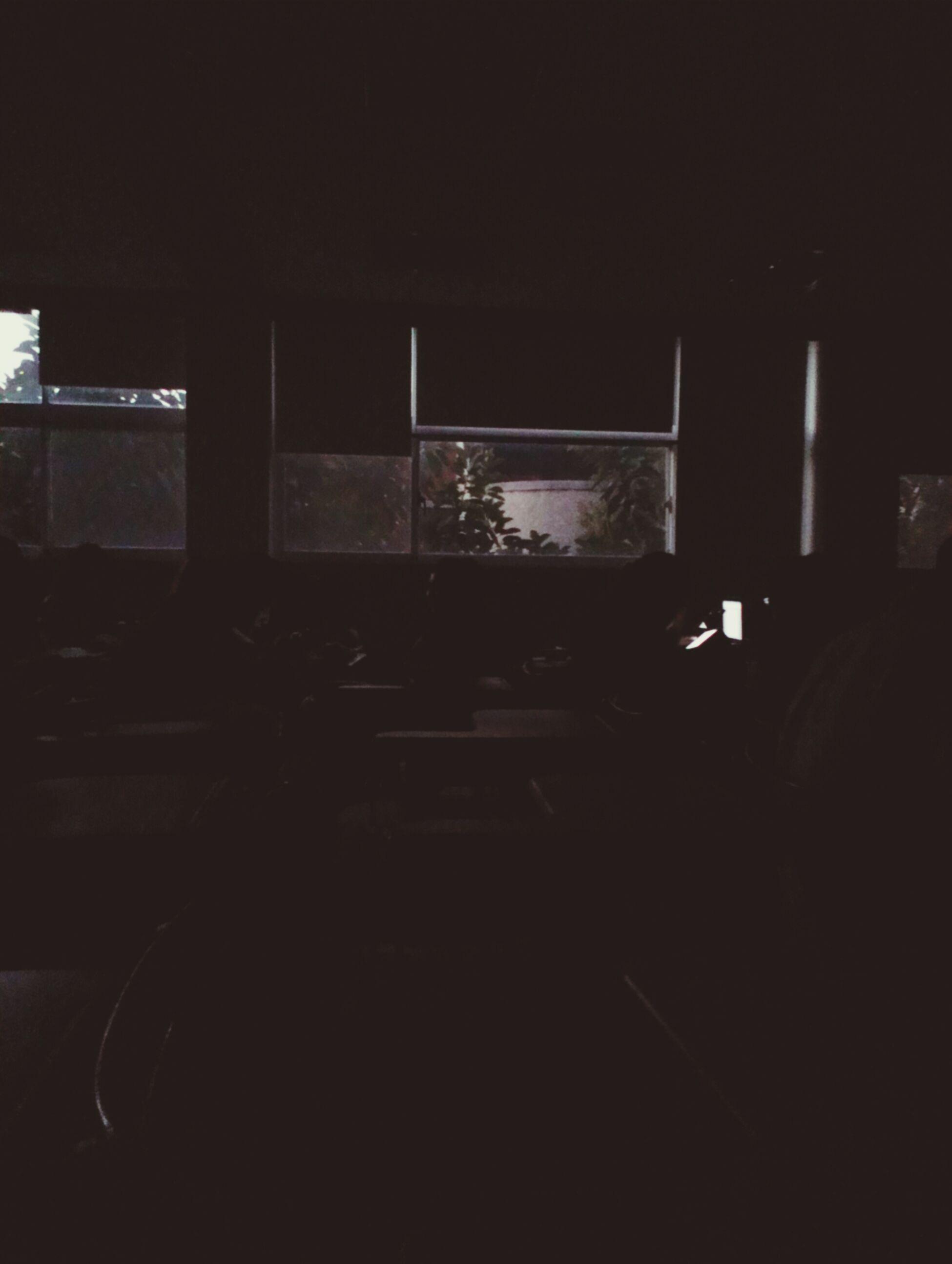 台上報告日本火山溫泉時…停電