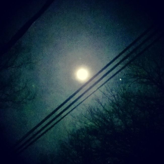 [God / nature / the universe] is the real artist.. Infinite noetic experience present in the most mundane of beautiful moonrisings. Starbody Moonlight Freespirit
