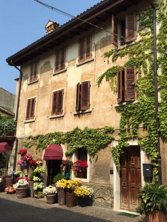 Flower House Bardolino