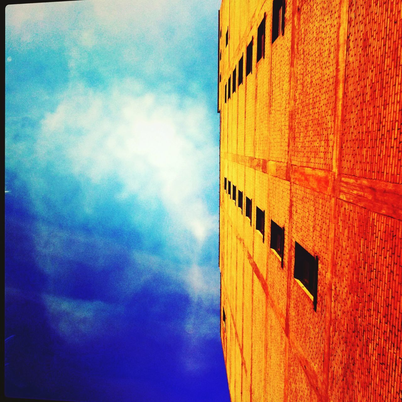 Old Buildings Sunshine Sky Lookingup Look Up And Thrive Skyporn Sky And Clouds Downtown Detroit Bright Sky Spring Time Urban Spring Fever