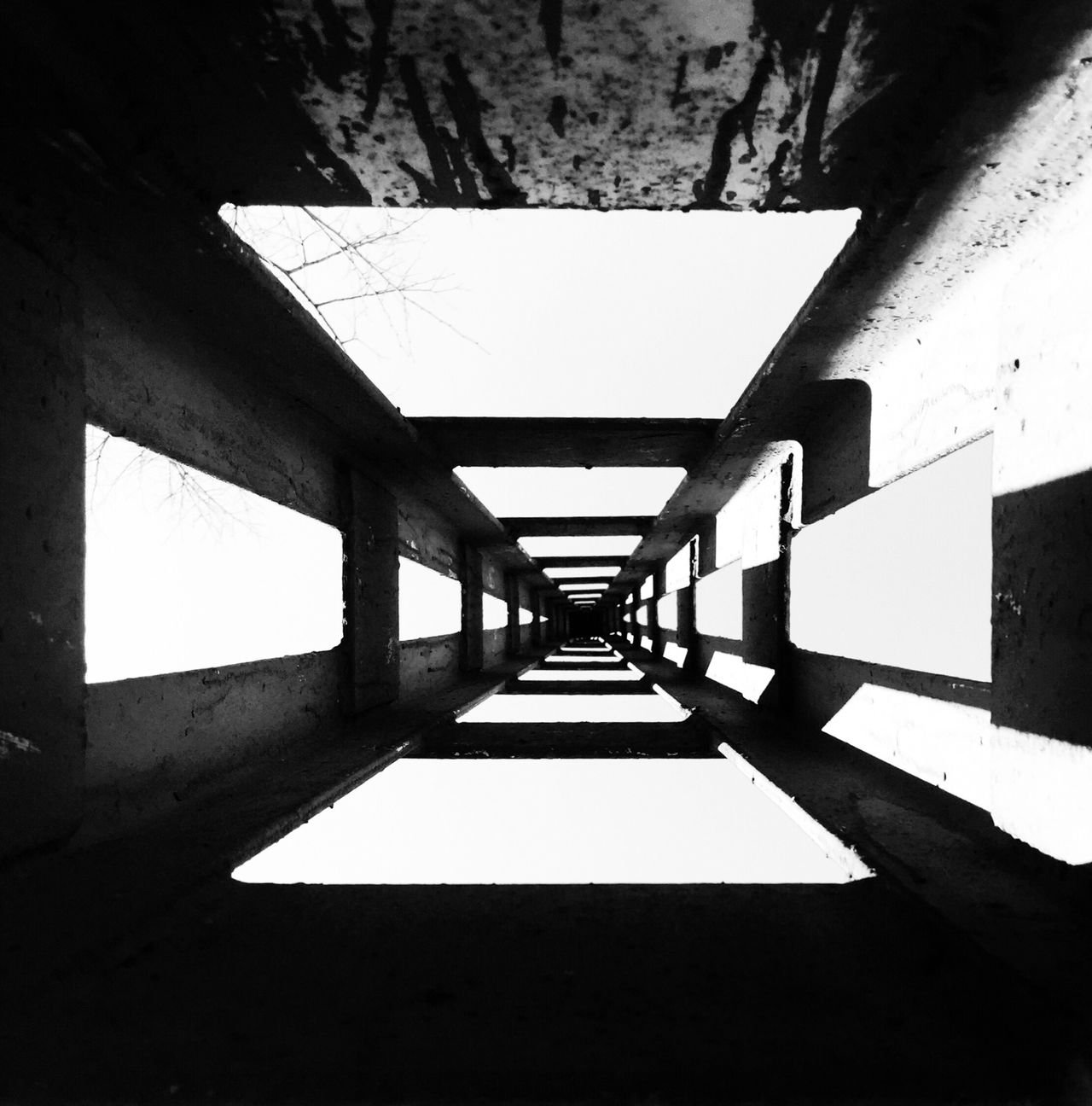 The corridor Creative Light And Shadow Abstract Perspectives Light And Shadow Blackandwhite IPhoneography Learn & Shoot: Leading Lines Getting Inspired Smart Simplicity Endlessness