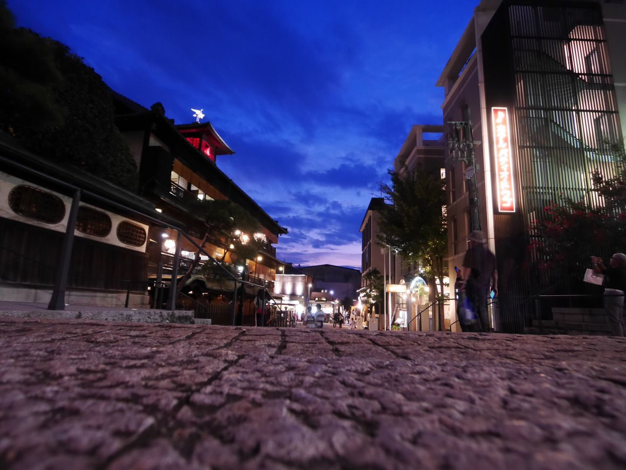 Travel From My Point Of View Night The Way Forward Night View Low Angle View Architecture Japan Photography Japan Light And Shadow 道後温泉