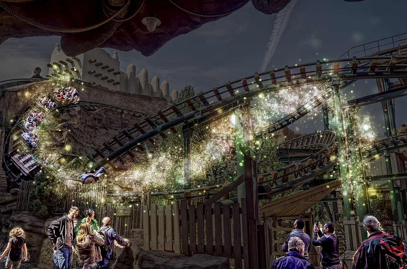 Built Structure Hdrphotography Large Group Of People Michael-Jackson-Achterbahn New Year's Eve Nightlife Outdoors People Phantasialand Travel Destinations