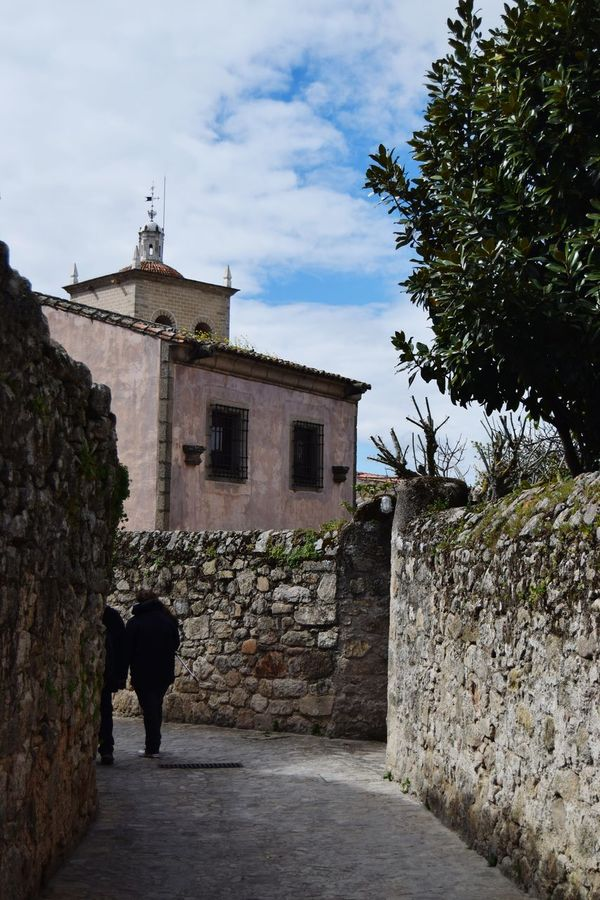 Trujillo SPAIN Center Extremadura Relaxing Walls Clouds Sky Blue Walk Streetphotography Camera Old Exploring Photography Photooftheday Photographer Picoftheday The Week Of Eyeem Ancient Architecture Stone Green