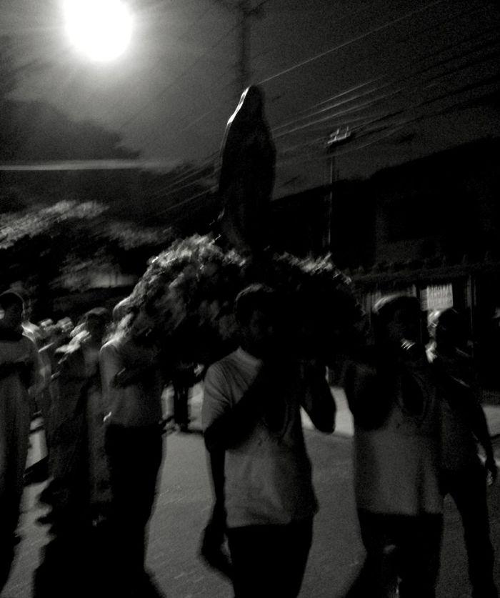 Tchelo Assaf Photo - São Paulo , Brasil Nossa Senhora De Guadalupe Blackandwhite Photography Procissão Getting Inspired Urbanscene