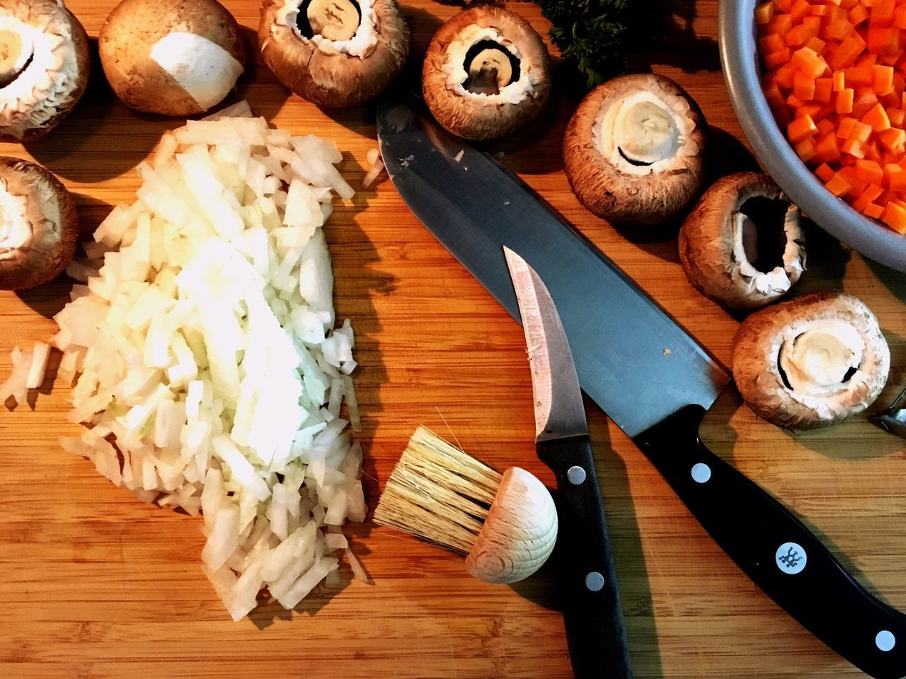 Cutting Board Food No People Food And Drink Table Freshness Indoors  Healthy Eating Soulfood Mushrooms Onions Carottes Cooking Fresh Products First Eyeem Photo Cooking Can Be Art