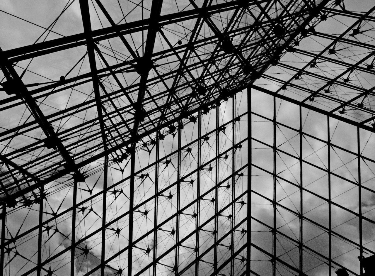 Blackandwhite paris Louvre