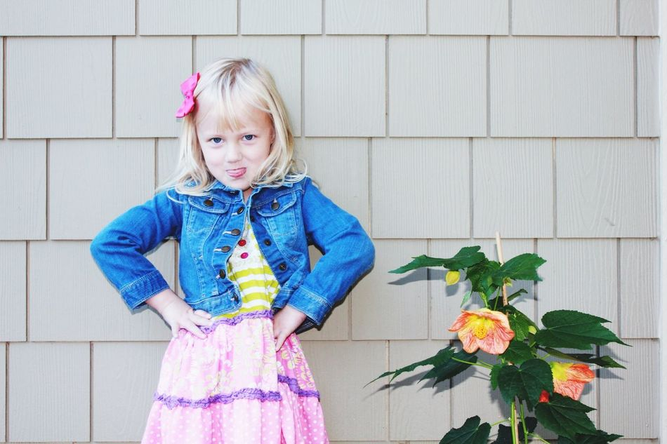 Beautiful stock photos of children, 4-5 Years, Blond Hair, Casual Clothing, Caucasian Ethnicity