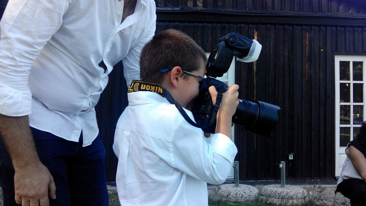 Kid Art Kids Photographer Photography Camera Porn Camera Young Photographer Kid Photography Kid Photographer Camerakid Kid Make Photos Kid Take Photos Kid With A Camera Kid With Cam Kid Three Quarter Length