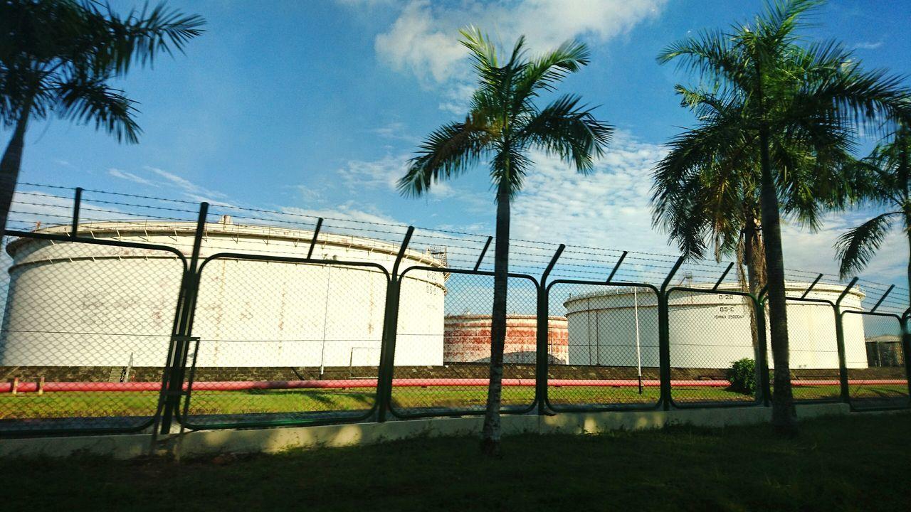 Oil. Taking Photos EyeEm EyeEm Best Shots Eyeemphotography EyeEm Gallery EyeEm Indonesia Hello World Oil Revinery
