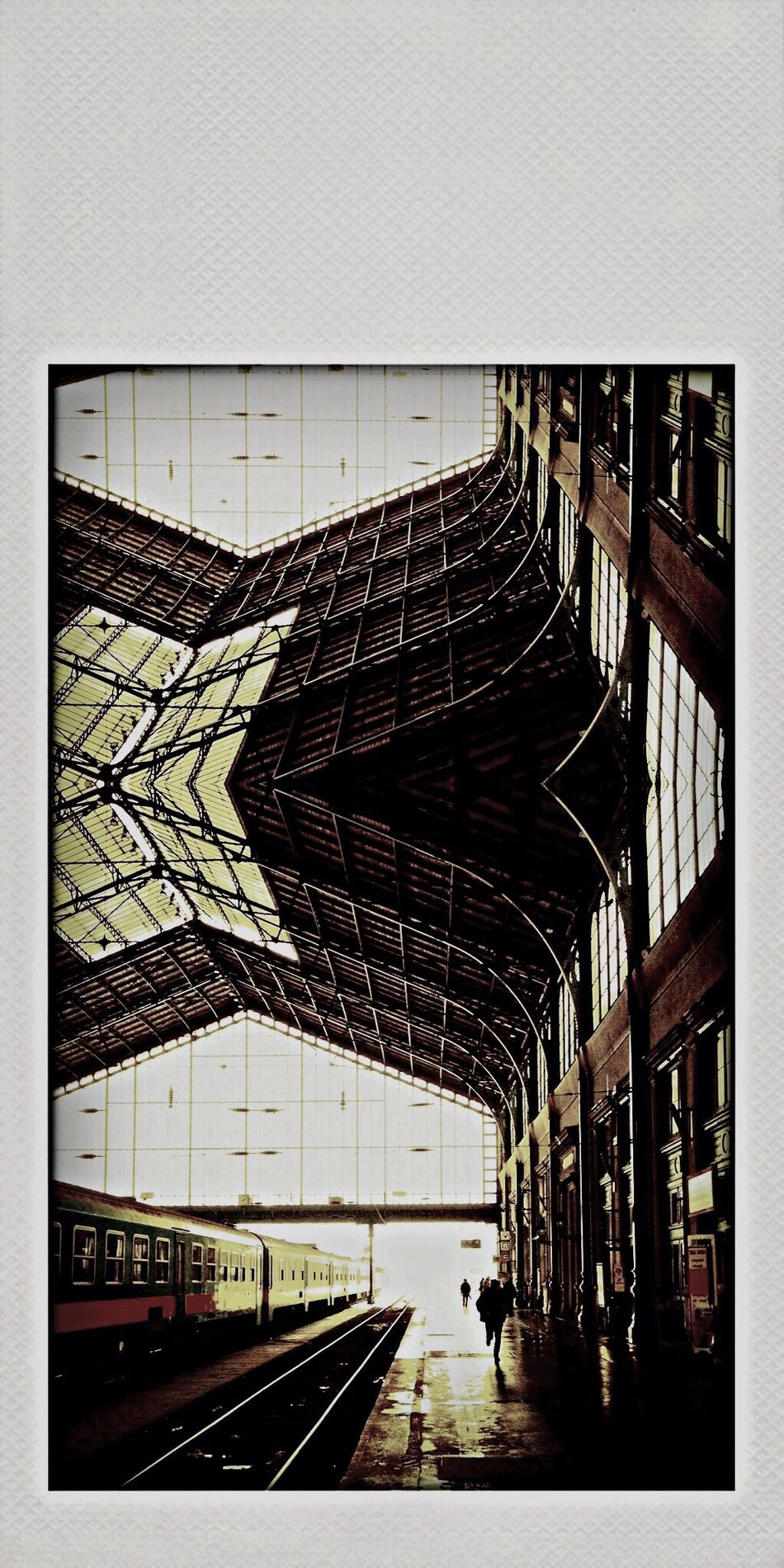 Eiffel Nyugati Railway Budapest Vanishing Point In The Terminal My Art Throw A Curve Looking To The Other Side Growing Better