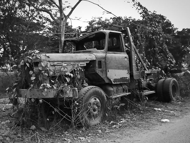 Rusty Oldtractor Bnw_kings Rusty Autos Old But Awesome Bnw_friday_eyeemchallenge BestofEyeEm EyeEm Best Shots EyeEm Best Shots - Black + White