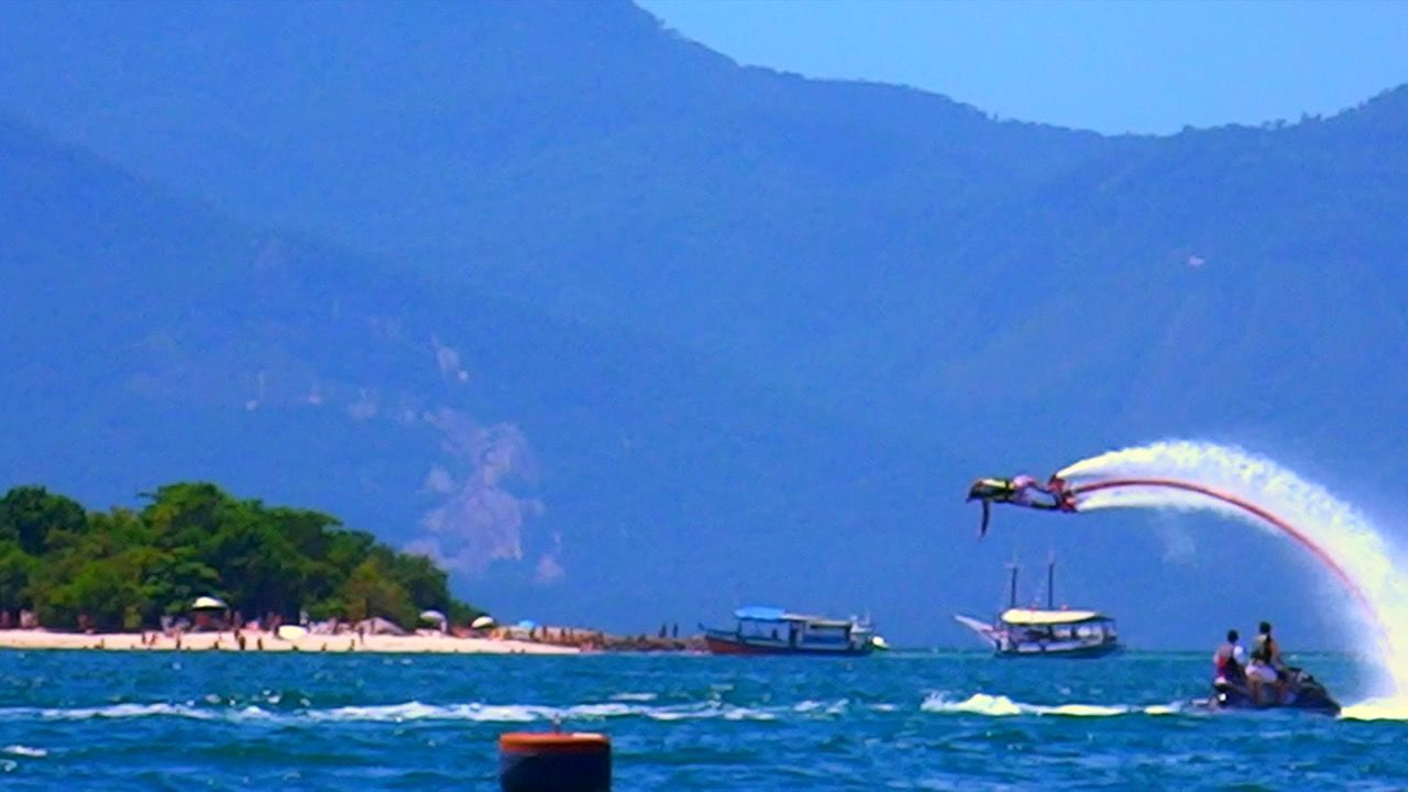 Angra Dos Reis RJ BRASIL ☀️🇧🇷 EyeEm Team Adventure! EyeEm Team EyeEmBestPics EyeEm Best Shots Photooftheday Summer Sea View Sea Photo Sports Photography Photography Beach Flying Water Taking Pictures Taking Photos