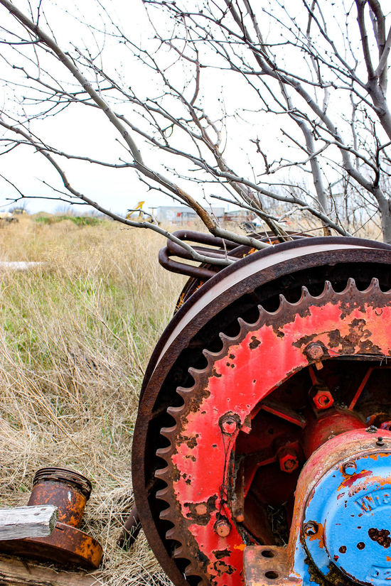 Chain Chains Cloudy Day Color Focus On Foreground Junk Metal Old Old Equipment Rusty Colour Of Life