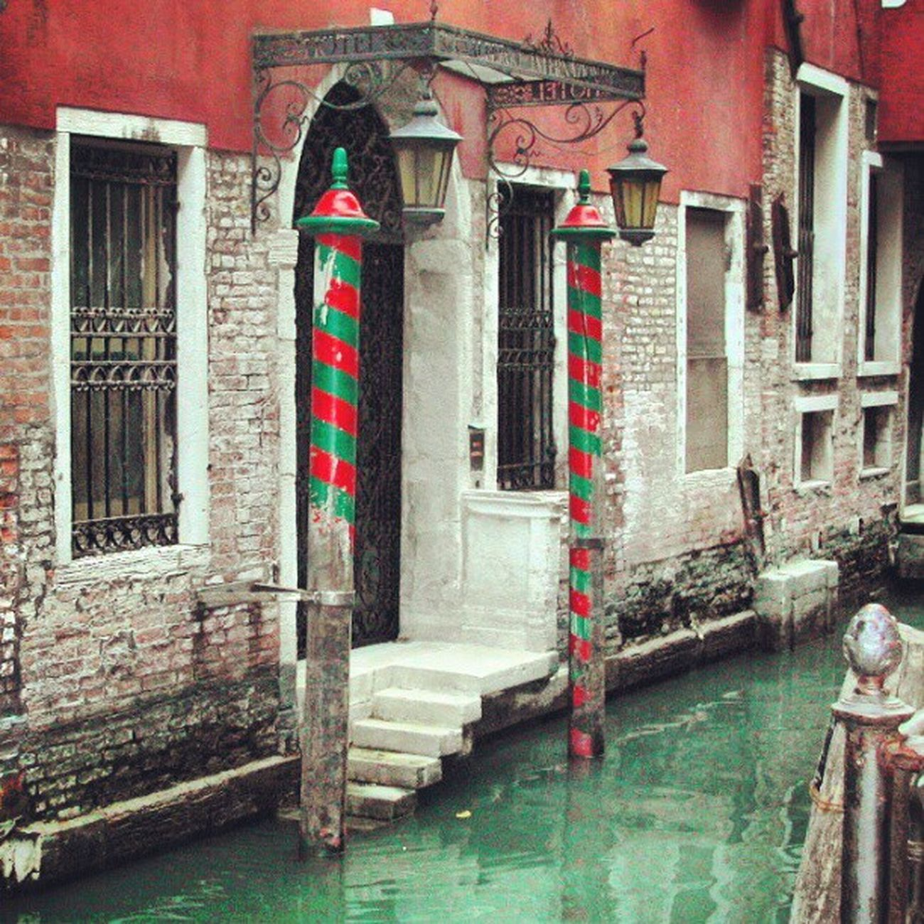 #venice #door #water #igers #igfamos #instagood Water Door Venice Igers Instagood Igfamos