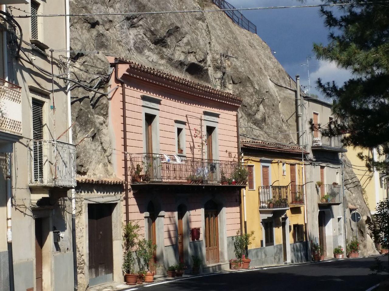 Case nelle grotte