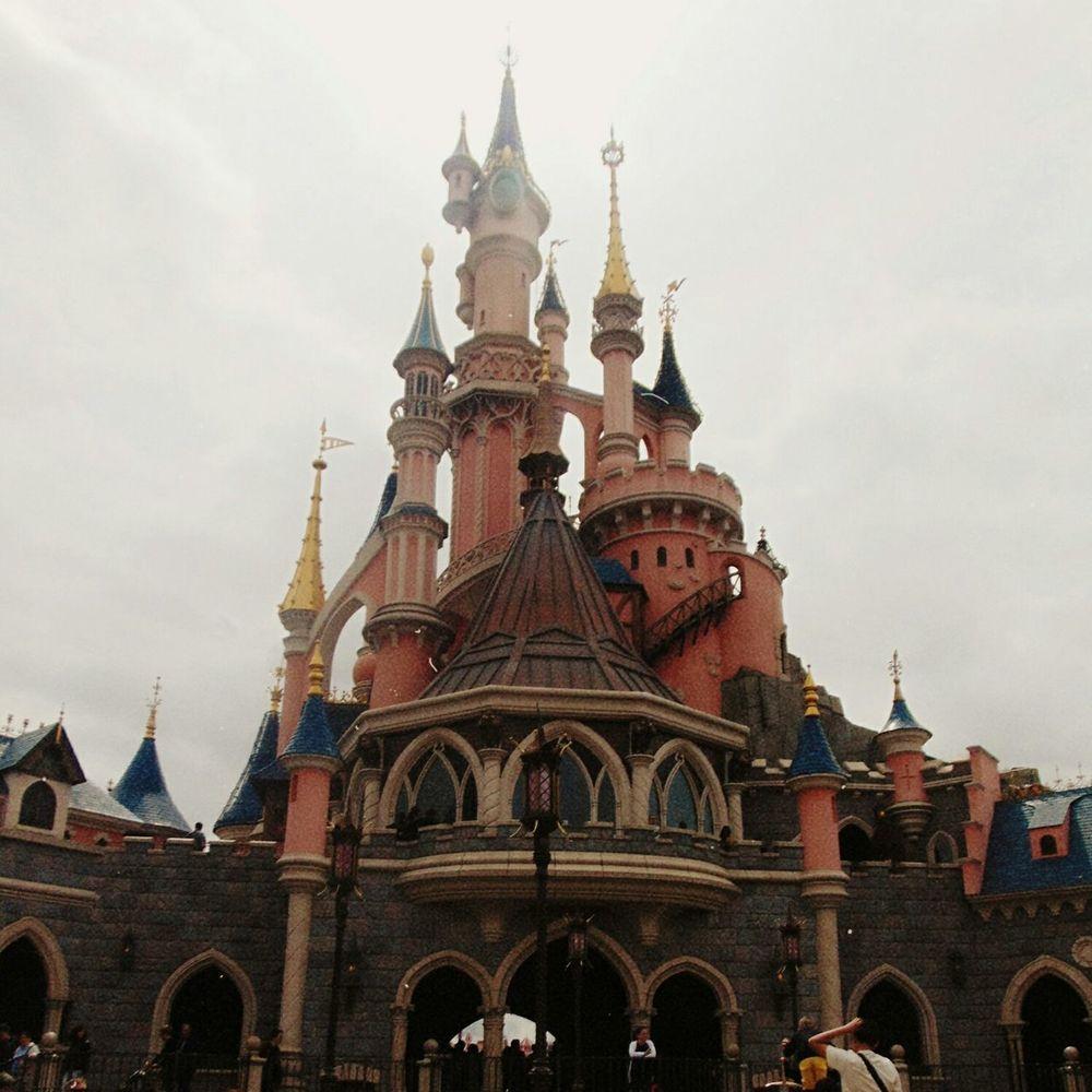 Magic everywhere ✨ Magical Place Disneyland Paris Auroras Castle