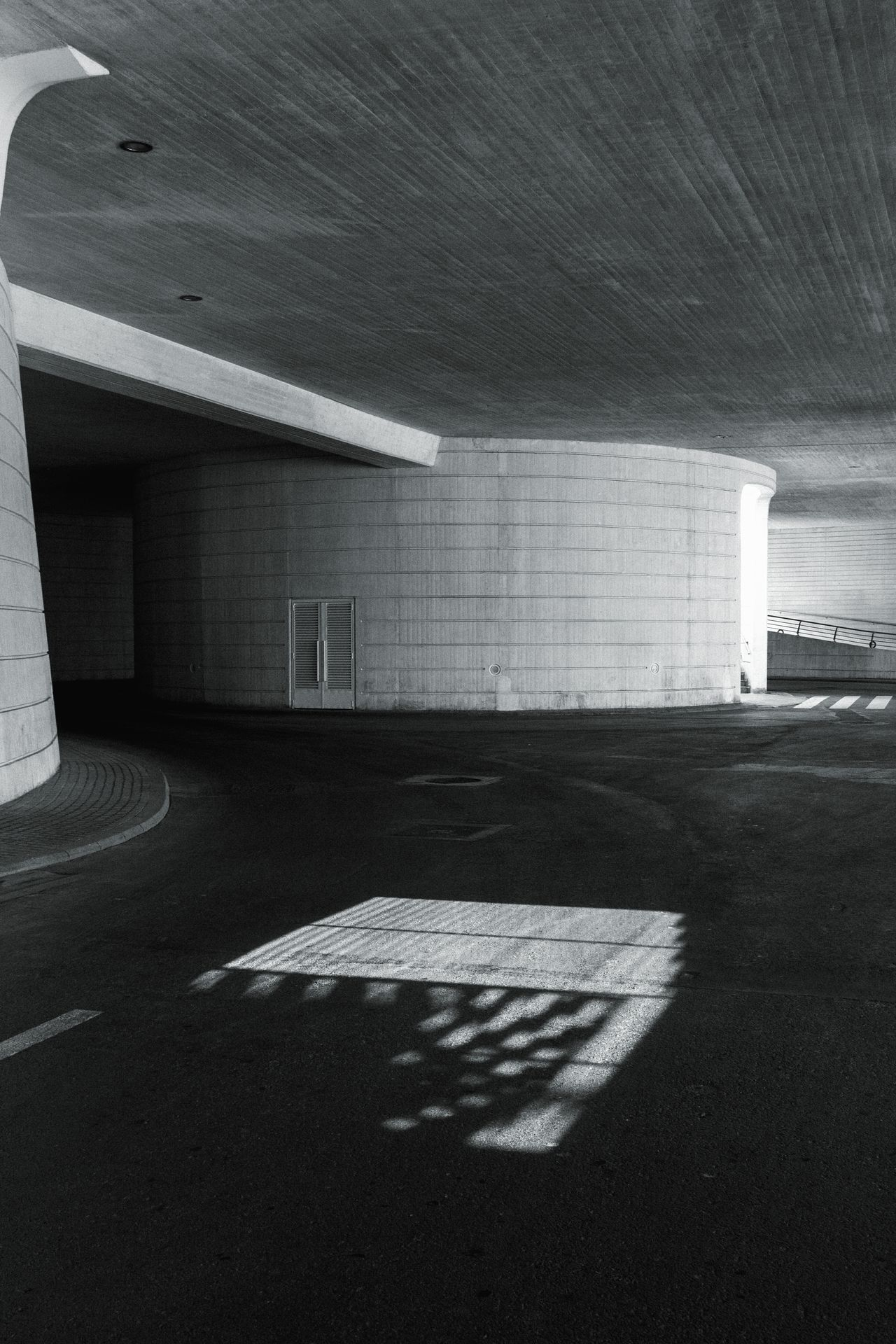 Architecture No People Architecture Built Structure Indoors  Day Sunlight Modern Building Modern Architecture Black And White Architecture B&w Architecture Cityscape Stairway Black And White B&w Photography B&w Street Photography Architecture_collection Simple Architecture B&w Modern Architecture Simple Photography Shape Simple Shadow And Light València ArtWork