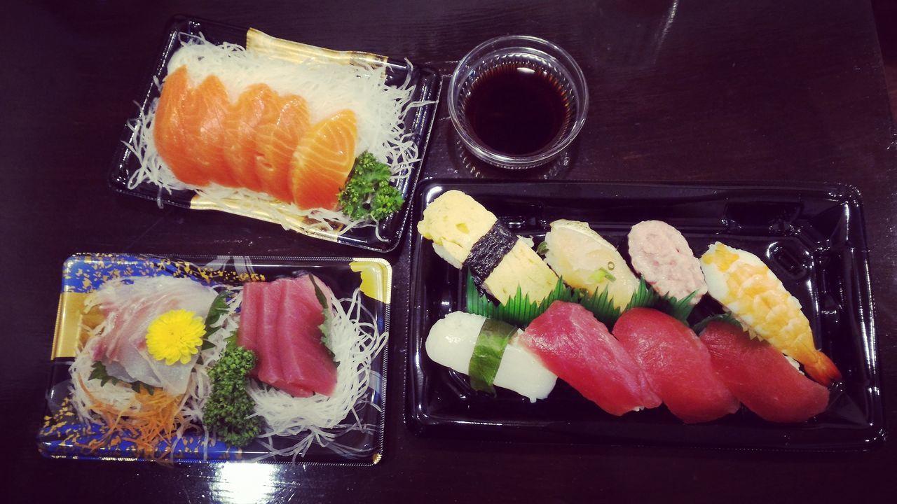Sushi Sushilover Food Freshness Indoors  Healthy Eating Close-up Tasty😋 Zenfone2 Photography Japan Salmone