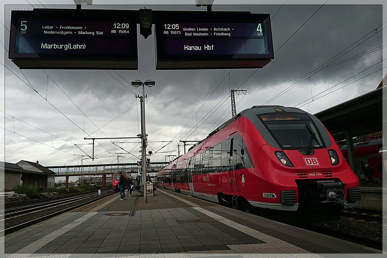 Showcase: November Public Transportation Talent 2 For You ;-) EyeEm Best Shots - The Streets Mittelhessen-Express EyeEm Deutschland