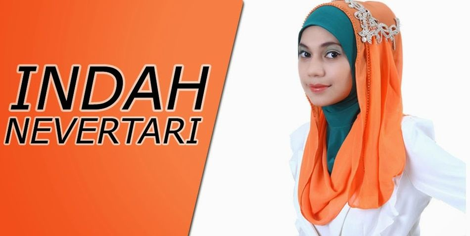 Hijaber Indah Nevertari Singer