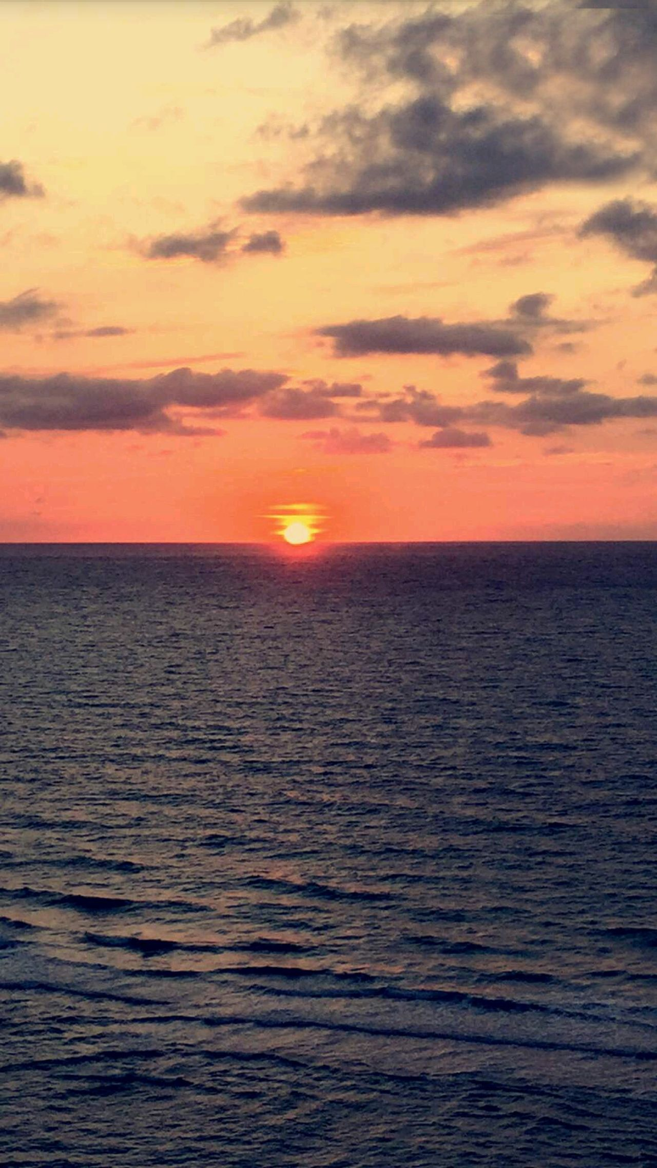 Sunset Sea Horizon Over Water Dramatic Sky Tranquility Sun Scenics Romantic Sky Beauty In Nature Sky No People Outdoors Cloud - Sky Nature Landscape Day Sol Horizon Tranquility Nofilter Pôr Do Sol 🌅 Por Do Sol ⛅ Presidenteepitacio Beauty In Nature Nature