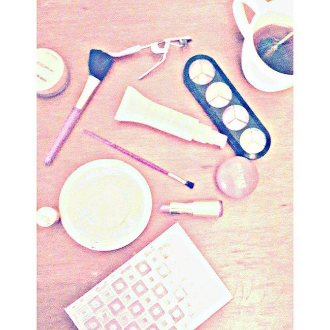 MakeUp And Tea *-* ! Makeup Instamakeup Cosmetic Cosmetics Tagsforlikes .com Tflers Fashion Eyeshadow Lipstick Gloss Mascara Palettes Eyeliner Lip Lips Tar Concealer Foundation Powder Eyes Eyebrows Lashes Lash Glue Glitter crease primers base beauty beautiful