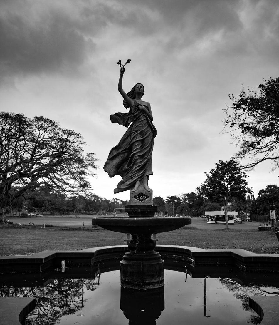 Lady. Statue Sculpture Outdoors Symbol Blackandwhite Black & White Blackandwhite Photography EyeemPhilippines Eyeem Philippines Life Nature