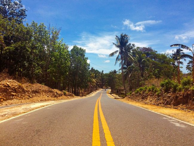 Road Roadtrip Roadmarkings Ride Traveling Backpacker Islandtour Exploring New Ground Travel Photography Outdoor Photography Siquijor Itsmorefuninthephilippines