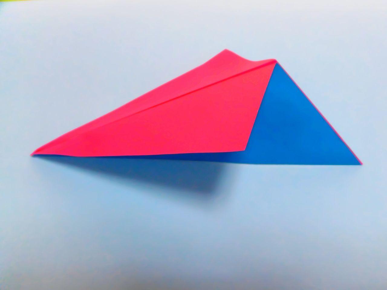 Paper plane Paper Paperart Paperwork Paper Art Papercraft Paperplane Paper Plane Red Origami Origamiart Origami Art Origami Time Origami Craft Origami Plane