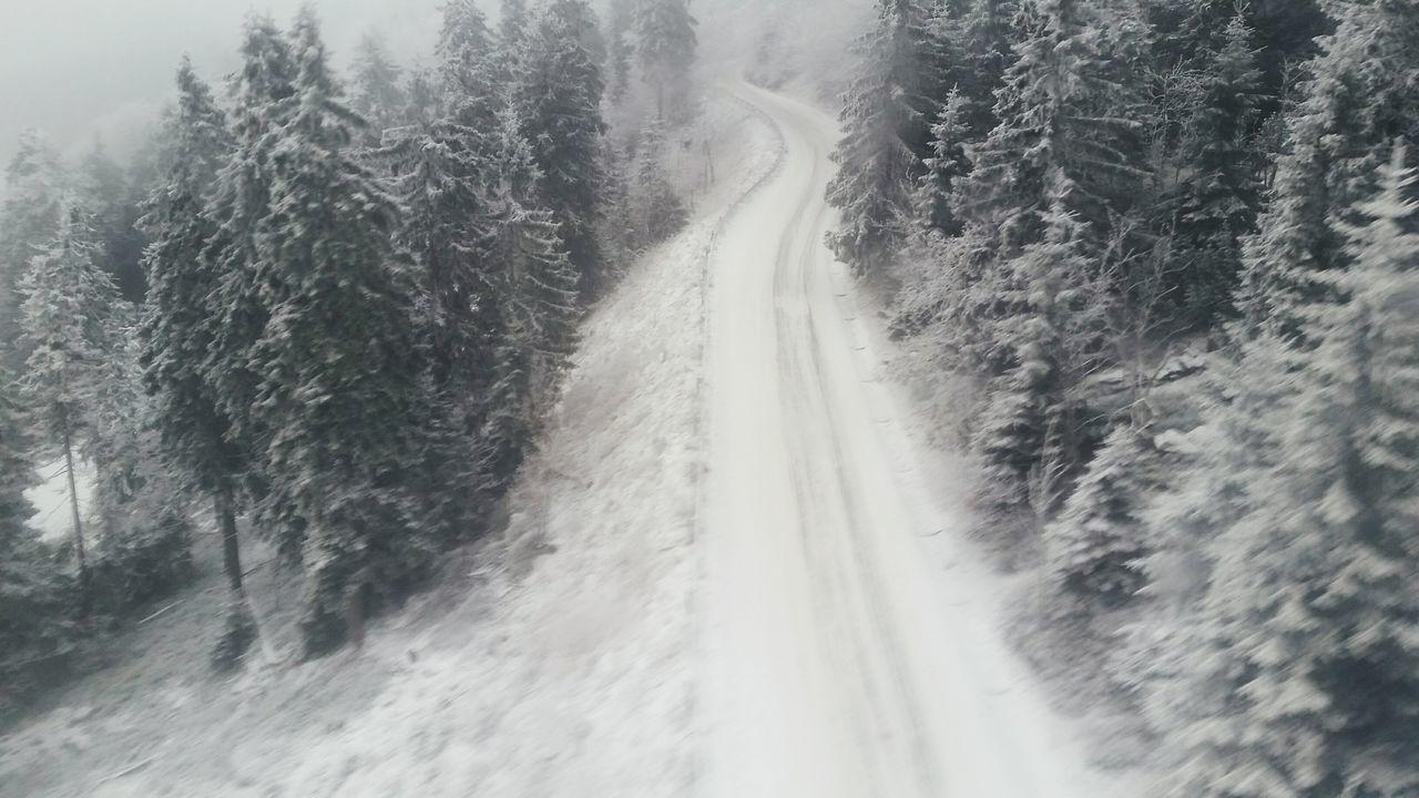 It's Cold Outside Mountain Czechrepublic Jested Snow Frozen Winter Fromthetop