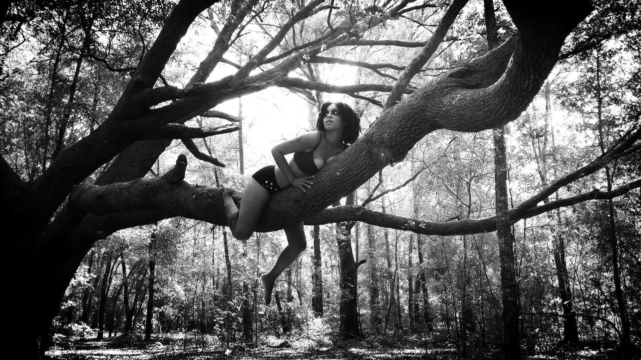 Experimental Edit In A Tree Playing With The Shadows That's Me Eye Make Up Tree Love Climbing Trees Underwear😈 Girl With Tattoos Girl With Piercing Curly Hair Leg Dangle