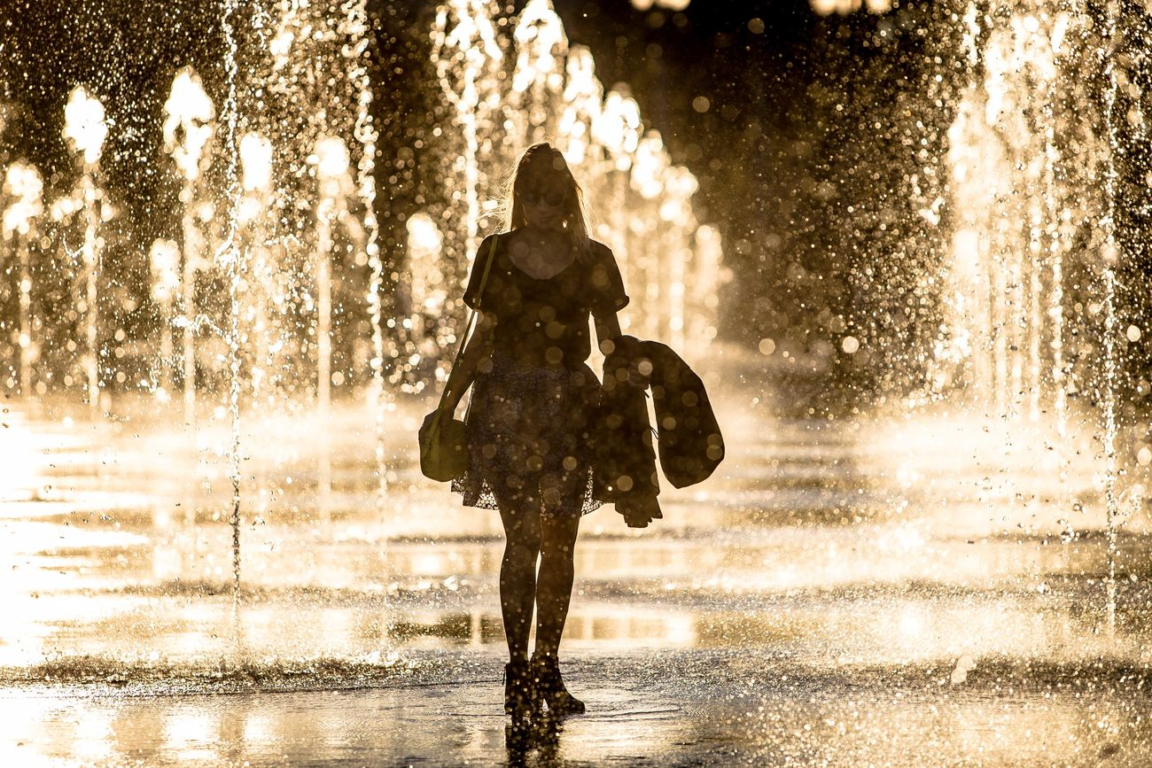 Drop Fountain Girl My Year My View Outdoors People Seaside_collection Shadows & Lights Shape Water