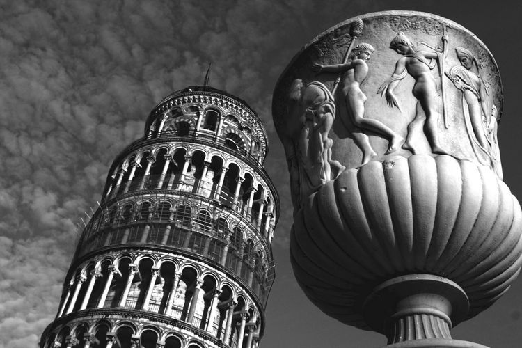 View of Pisa Italy Italian Art Pisa Pisa Tower Architecture Art And Craft Built Structure History Human Representation Italy❤️ Low Angle View Medieval Outdoors Sculpture Statue To Travel ✈️ Tower Tower Of Pisa Travel Destinations Turism